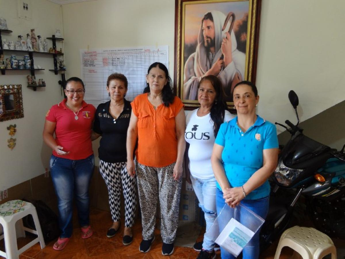 Marta Orrego (second from left) with the members of her Bancuadra trust network.